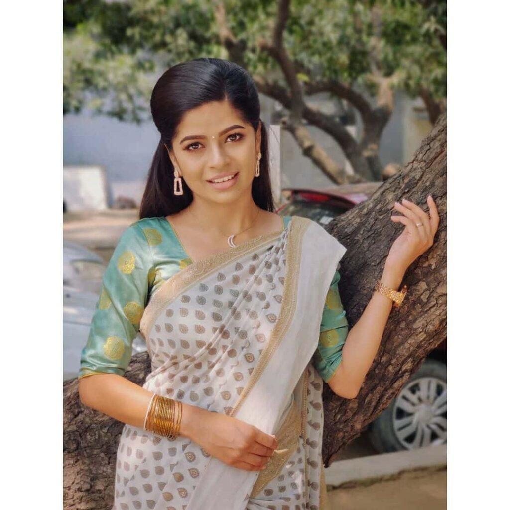 Soppana Sundari Bavithra age