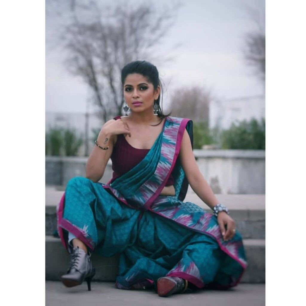 Vj Bavithra Instagram