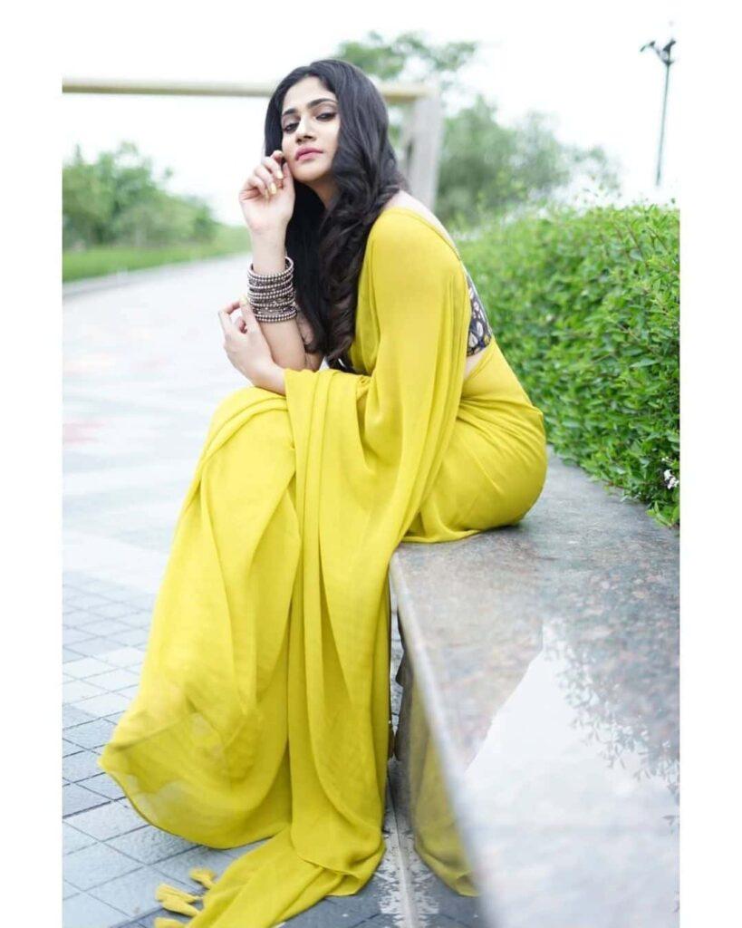 Losliya Photo Gallery