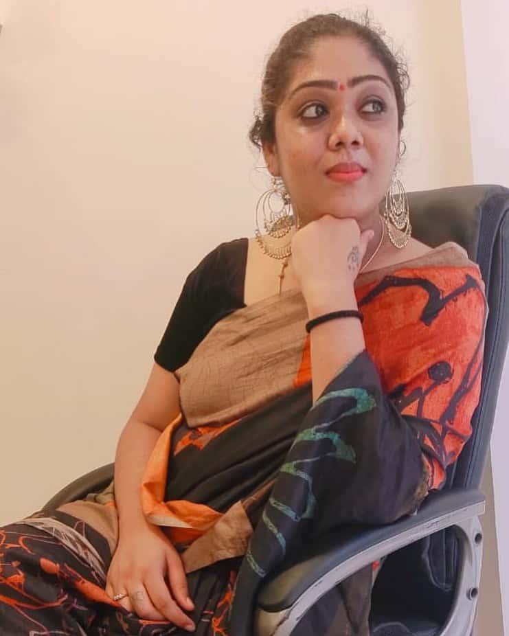 Sneha Mohandoss Biography