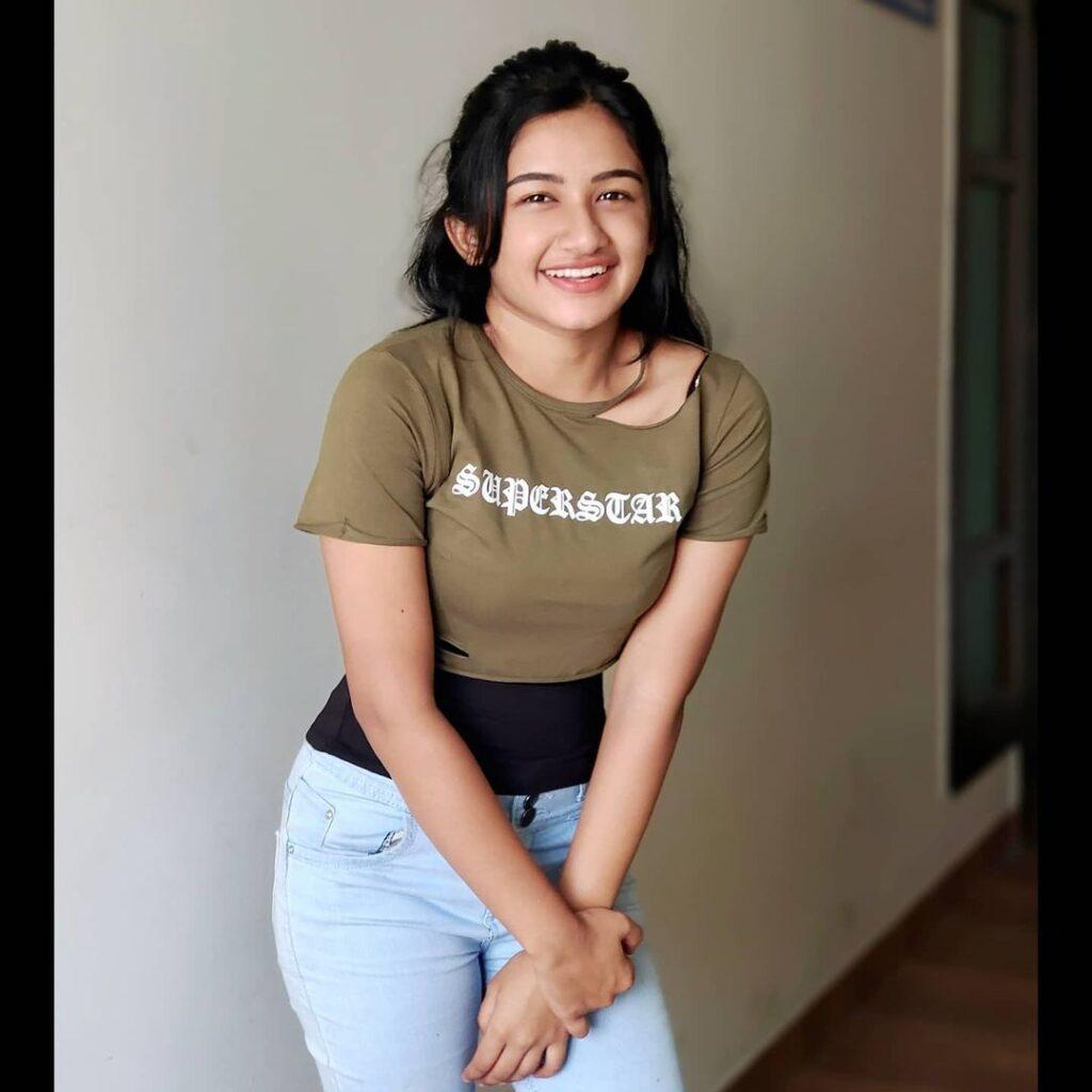 Raveena Daha Images