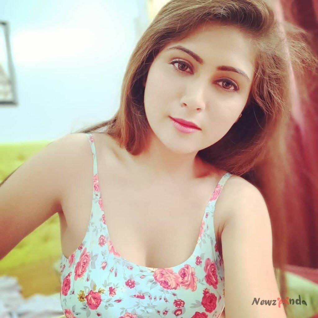 Hiral Radadiya Hot Images