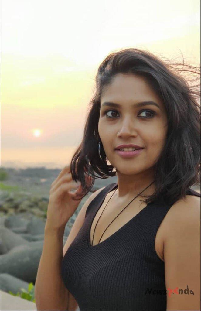 Shruti Bapna Height