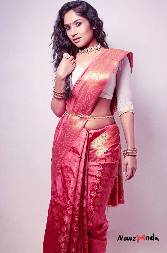 Shruti Bapna Gabbar is Back