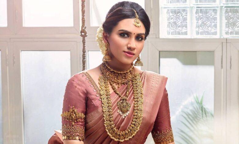 Malavika Jayaram Malabar Gold