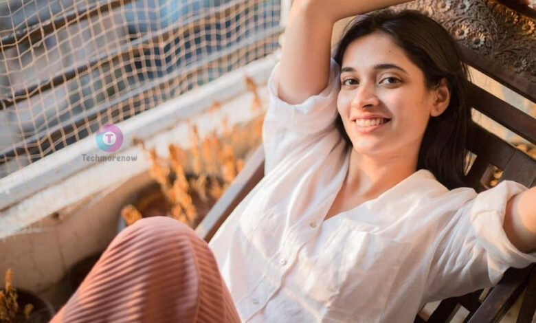 Aishwarya Ojha Biography