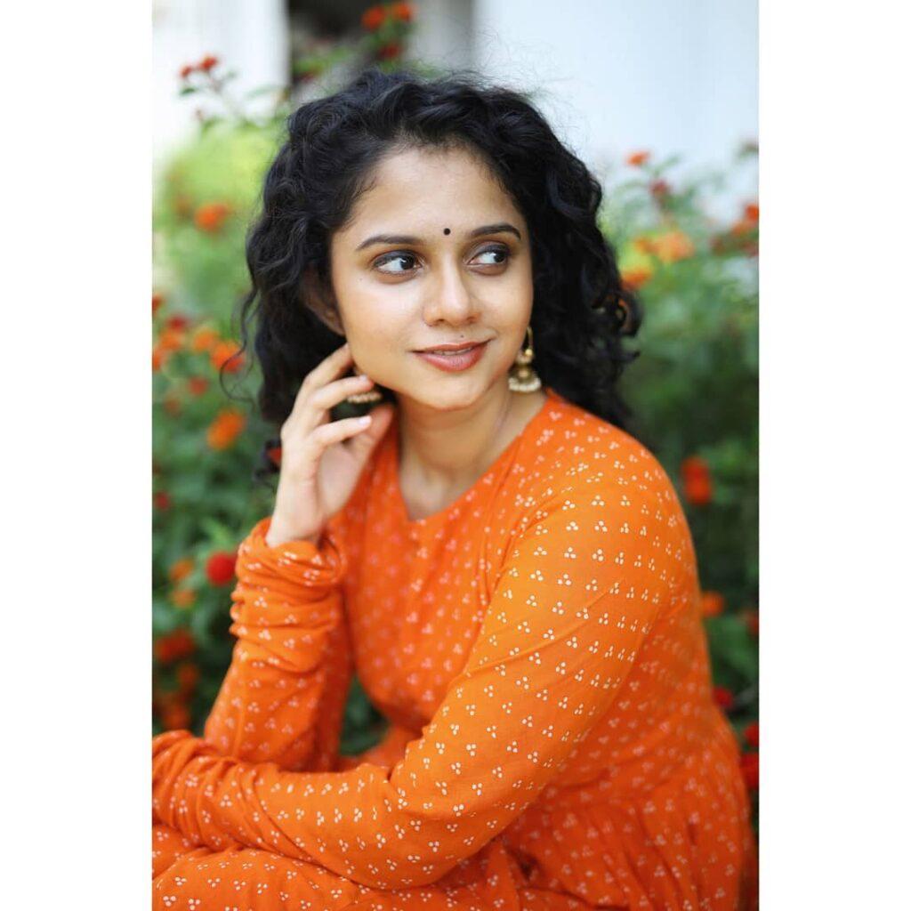 Namita Krishnamurthy Images