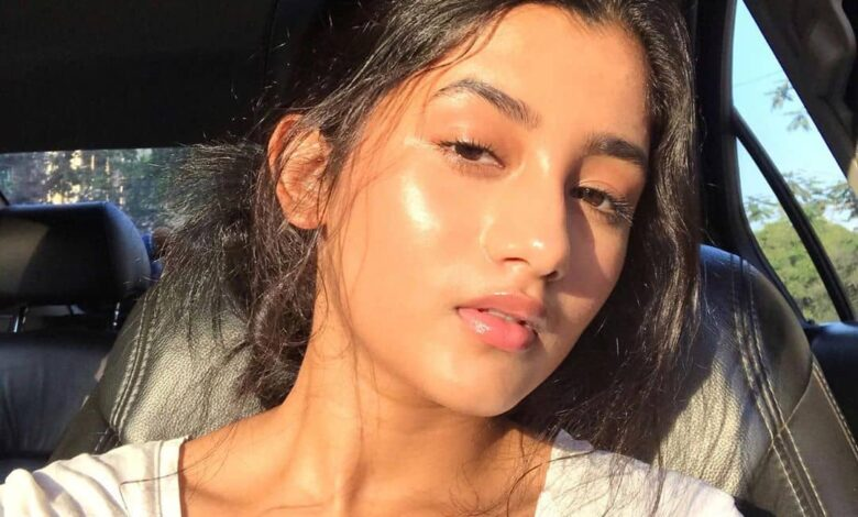 Ashlesha Thakur Biography