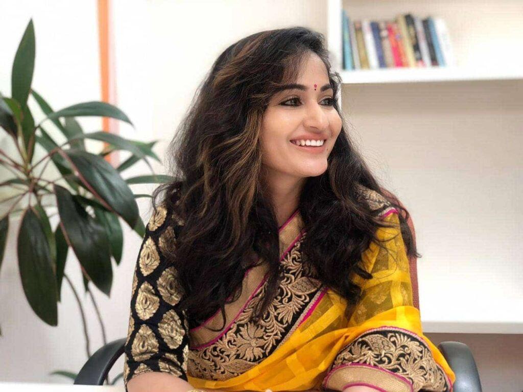 Madhavi Latha Actress Hot