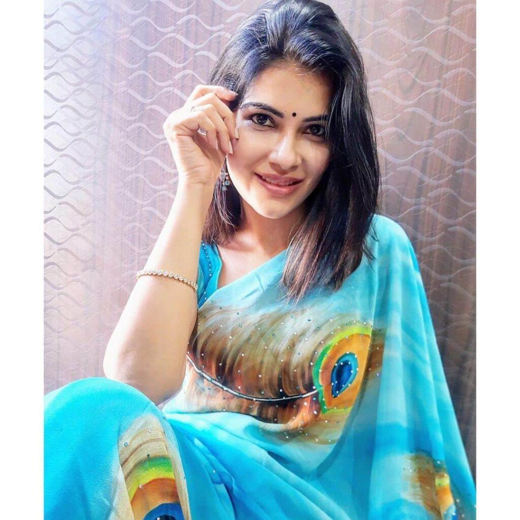 Manisha Jashnani Instagram