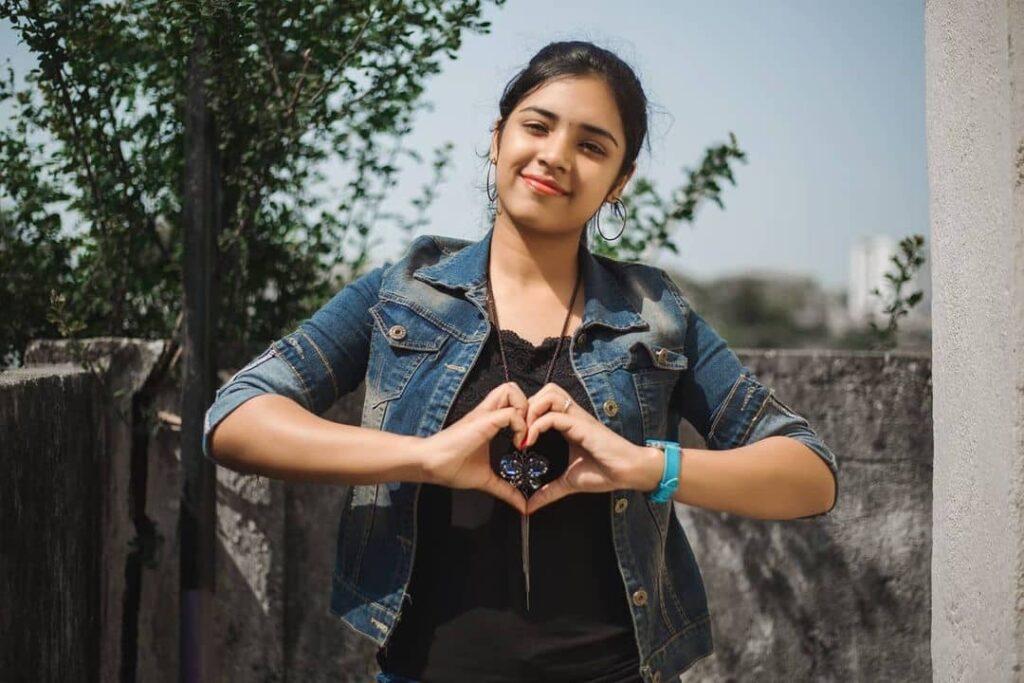 YouTuber Nikhila Sankar Images