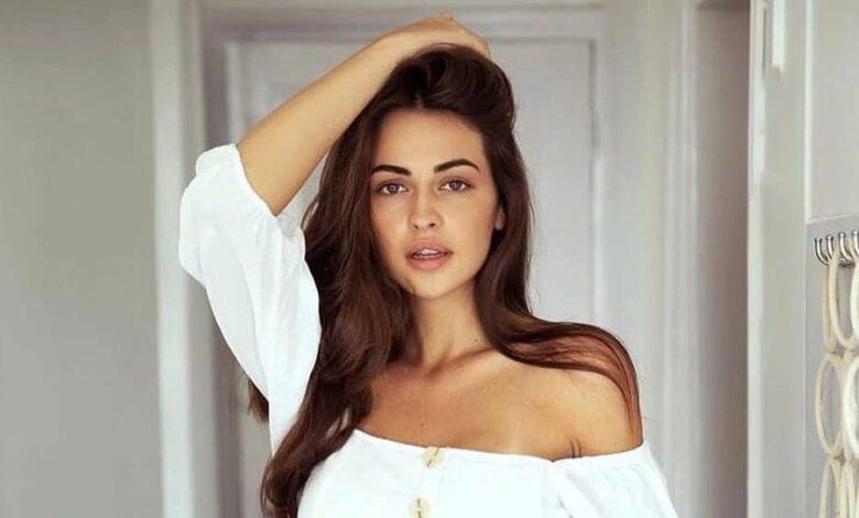 Hot Simona Model Jesenska Biography