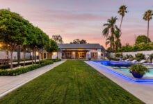 'Modern Family' Star Julie Bowen Buys Meghan Trainor's Toluca Lake Estate