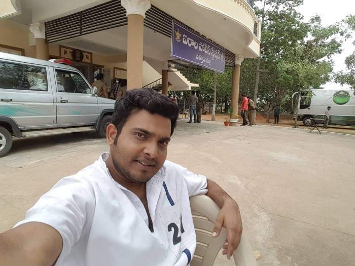 Srinu Boddupalli Images
