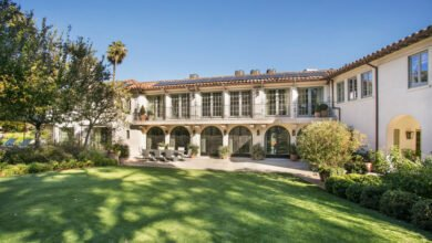 Shonda Rhimes Asks $25M for Mansion in L.A.'s Hancock Park