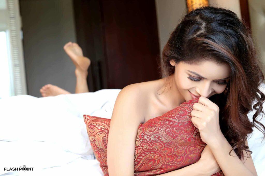 Gehana Vasisth Hot Images
