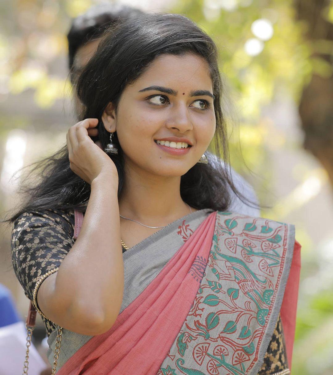 Deepa Balu Images 2
