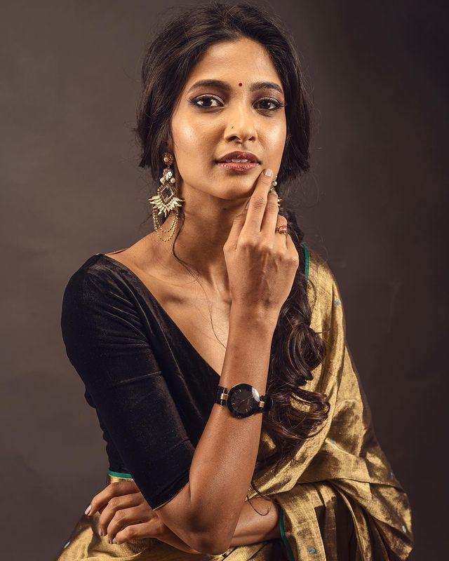 Keerthi Pandian Images