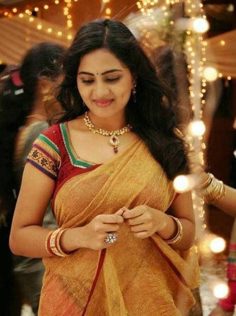 Srushti Dange Images