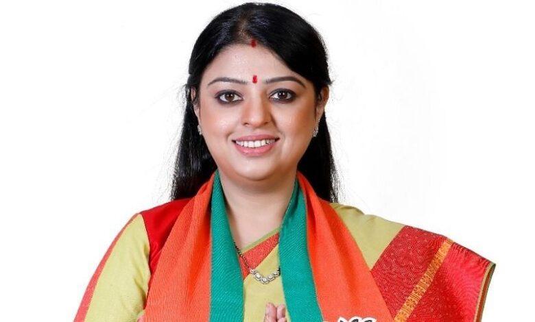 Mamata files nomination, BJP fields lawyer Priyanka Tibrewal against her