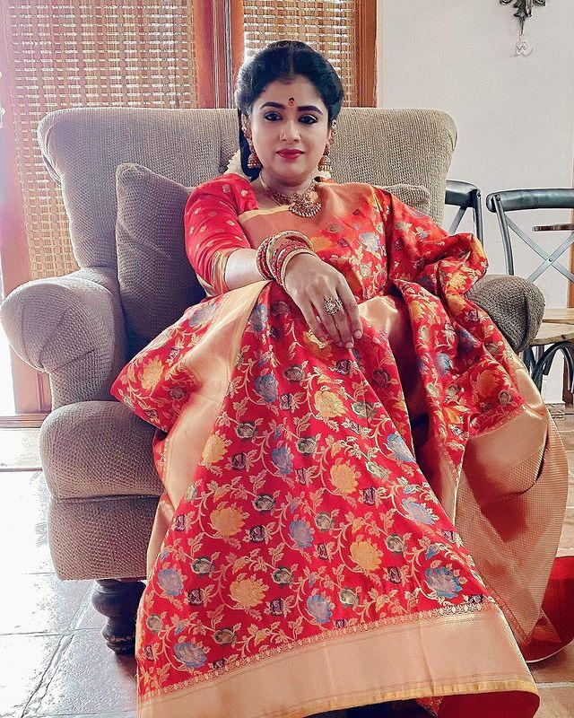 Preethi Sanjeev Images 4